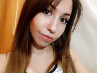 Voir le liveshow de  BananaBoomba de Livejasmin - 24 ans - I am cheerful and friendly girl. My chat room is a place to  relax, make friends and have f ...