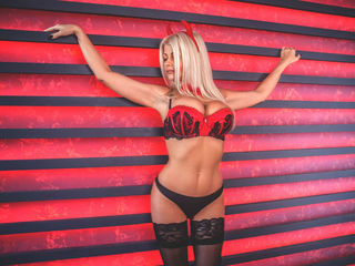 Voir le liveshow de  LadyAmbery de Livejasmin - 39 ans - Hello there! If You see me on-line that means I'm as horny as hell - since I come on-line onl ...