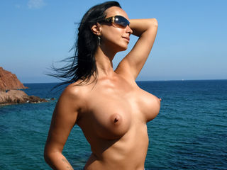 Voir le liveshow de  M00nshine de Livejasmin - 32 ans - Let me take you into a world where you can be totally relaxed. Just listen to my voice, keep y ...