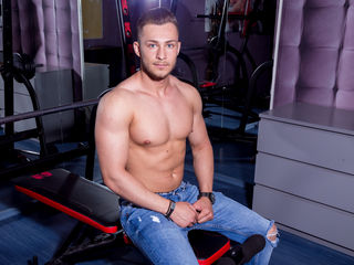 I`m a super horny versatile young guy that loves everything about sex and wants to explore with YOU the land of pleasure and lust