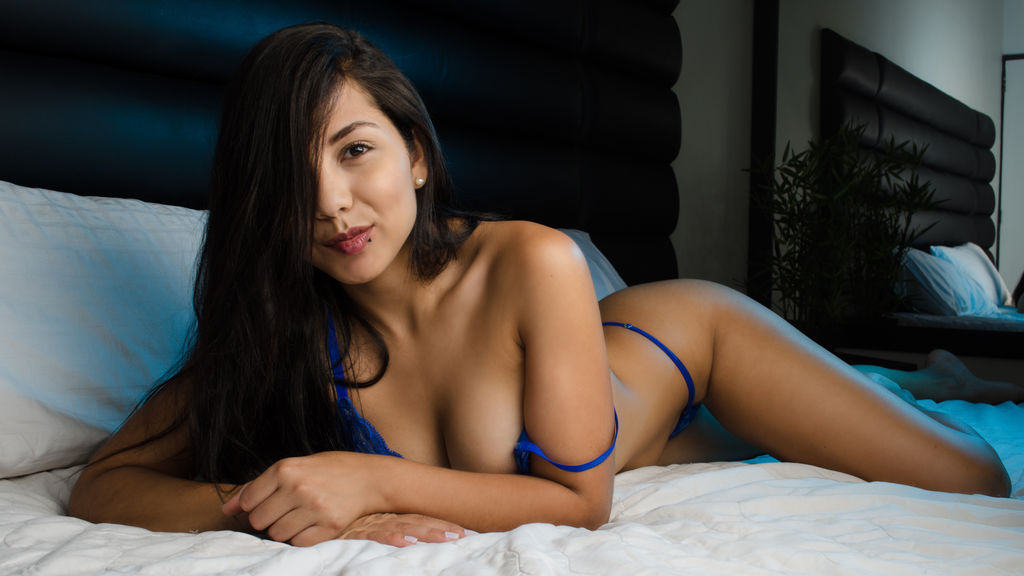 Watch the sexy VanessaGoncalves from LiveJasmin at PULA.ws