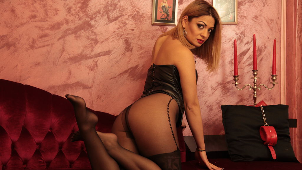 Watch the sexy GodessSonia from LiveJasmin at GirlsOfJasmin